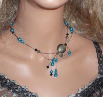 Collier câble, perles nacrées bleues/noires,toupies Swaroski