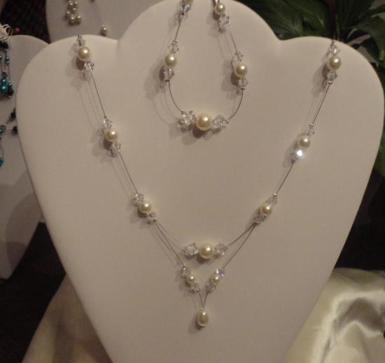 Parure mariage perles nacrées ivoire et toupies Swaroski