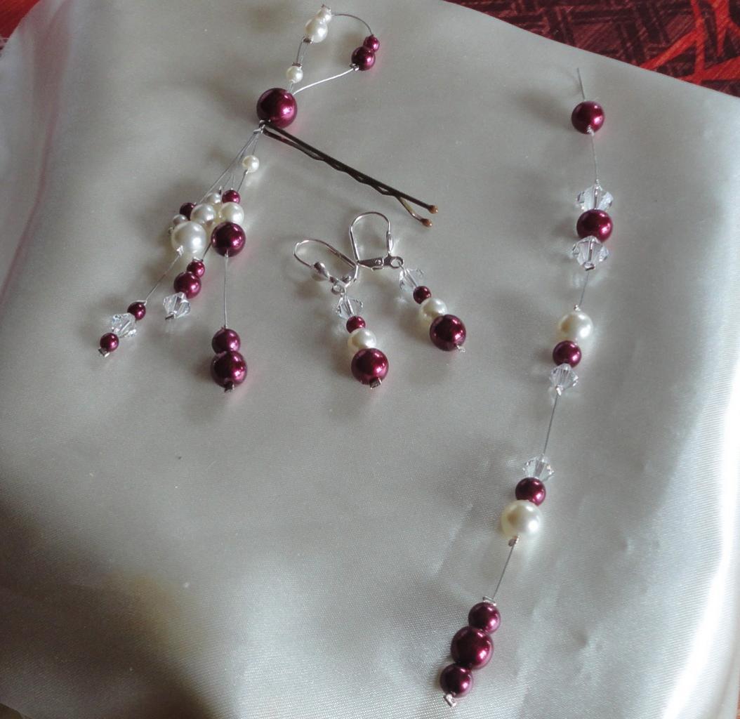 Accessoire mariage : bijou cheveux, boucles d oreilles, bijou de dos