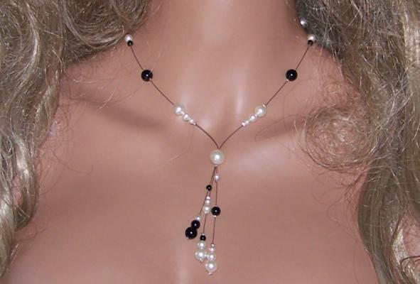 Collier perles nacrée noires et blanches