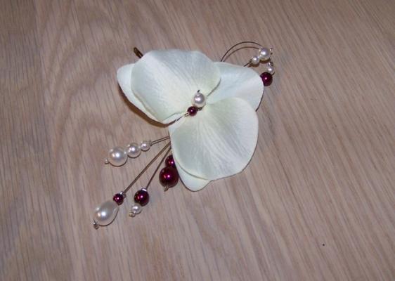 Bijou cheveux avec orchidée et perles