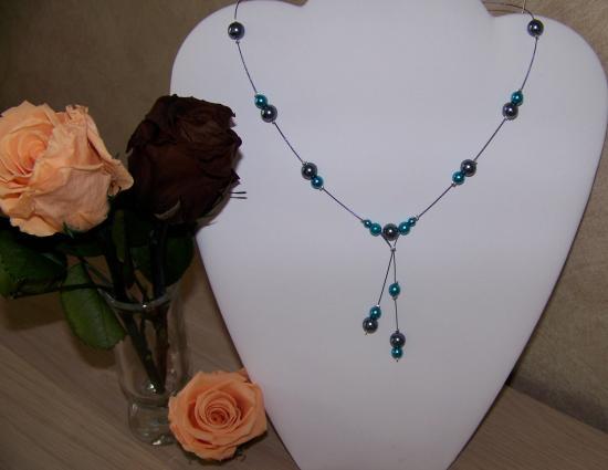 Collier mariage perles nacrées bleues