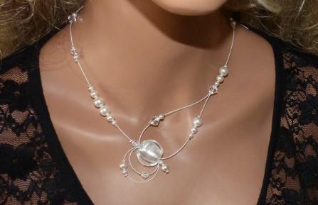 Collier mariage, perles nacrées blanches, collier mariée, collier blanc