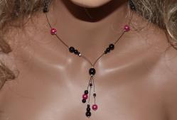 Collier fantaisie rose noir