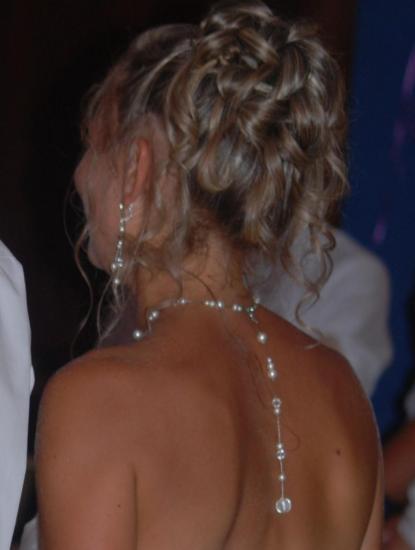 collier mariage bijou de dos