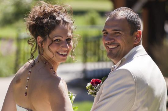 collier mariage bordeaux ivoire bijou de dos