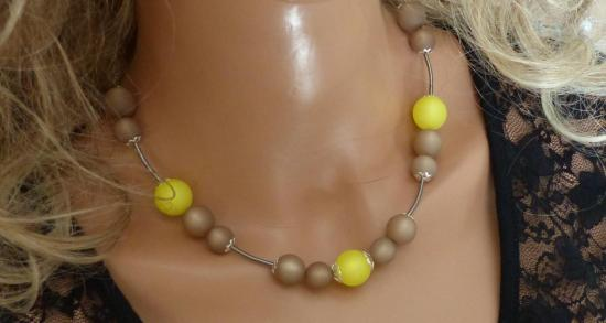 Collier printemps été collier jaune beige