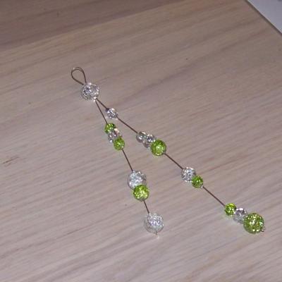 Bijou de dos vert cristal , perles craquelées