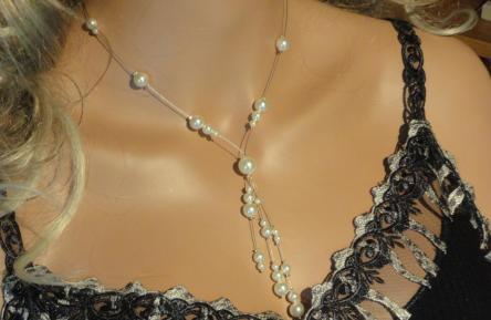 Collier mariage fil câblé perles nacrées ivoire
