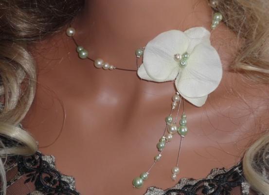 Collier mariage fil câblé orchidée perles anis
