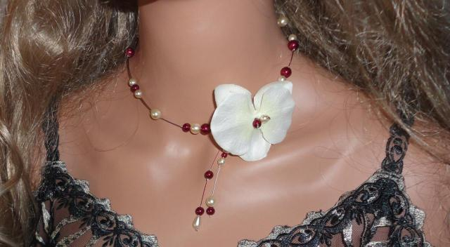Collier orchidée bordeaux ivoire