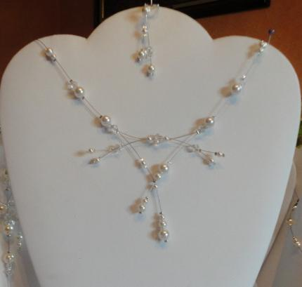 collier mariage perles nacrées ivoire et toupies cristal